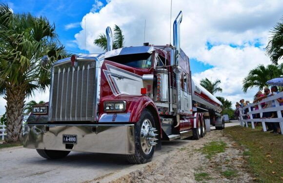 How AI (not automation) will revolutionize commercial trucking